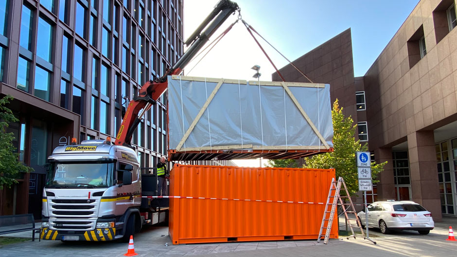 Container mit LED Screen