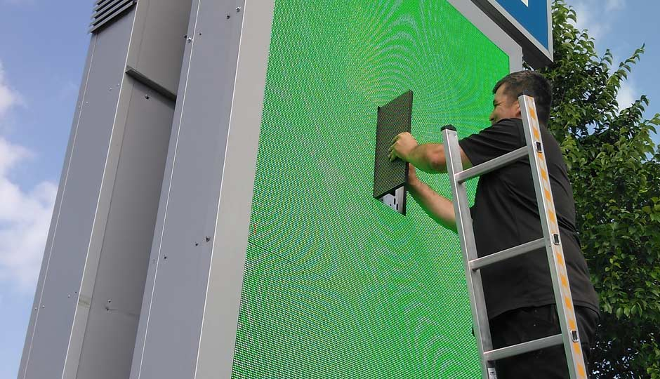 Montage | Wartung | Service an LED-Screens