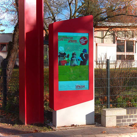 Outdoor-Info-Stele f�r Kunstschule in Berlin